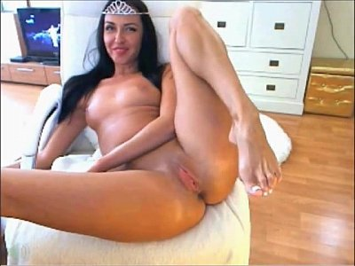 Hot Latina Girl Playing Solo At Home For More G...