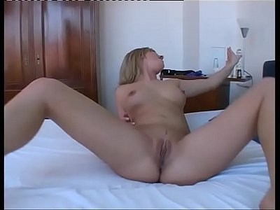 Anal Auntie Bigboobs video: Solo sex of a hot girl jerking her ass hole!