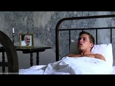 Cexo Gey padre novinho cacetudo batendo punheta no convento
