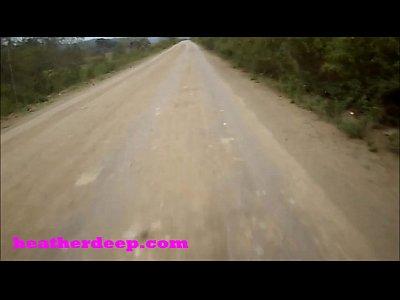 Heather Profonda 4 Wheeling Su Spaventoso Veloce Quad E A Fare La Pipì Accanto A Cavalli Nella Giungla Versione Youtube