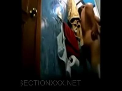 Videos Bajo Falda camara oculta en el bano de una mama bien nalgona