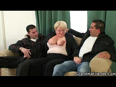 Porno video: Hot threesome with boozed old granny