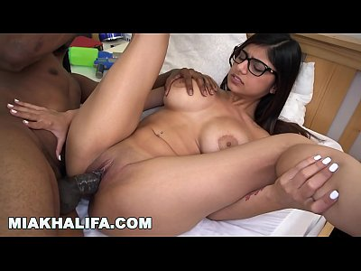 MIAKHALIFA - I am a sucker for a QB (mk13777)
