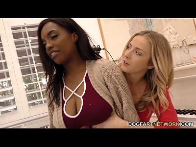 Lesbians Pornstars Black video: Karla Kush and Daya Knight having some lesbian fun