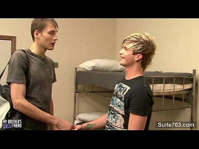 Videos Gratis De Gay horny gays fucking in dorm