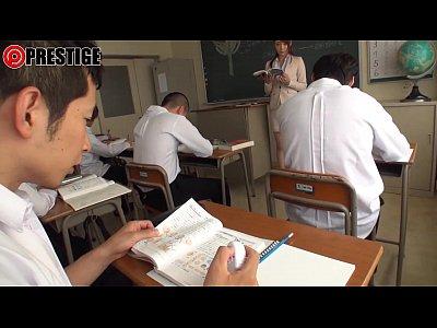 【冬月かえで】生徒たちに犯され敏感に感じてしまう可愛い女教師w