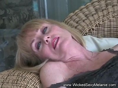 Plays With Pussy Granny Amateur GILF
