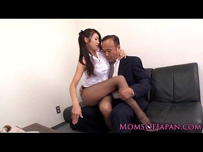 ビッチ網タイツ熟女教師が美尻を使って校長を誘惑交尾!小早川怜子