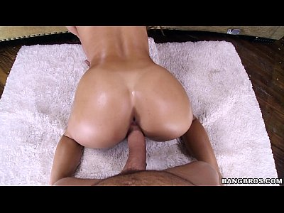 7 min xxxvideo Evalution Theory on bed BANGBROS.com