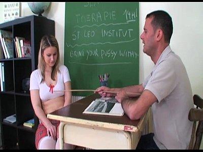 Filme porno do xvideos aluna castigada na sala de aula