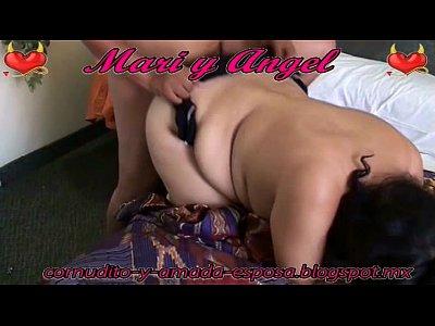 Cornudo graba en este video porno como su esposa puta esta cogiendo rico con su corneador