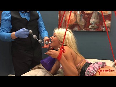Asseating Atm Blonde video: Layla Price Anal Cheerleader