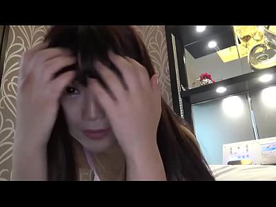 【無料エロ動画】《S級素人個人収録ムービー》22齢の白板美女サロン師とコンドーム無しぶちこむ