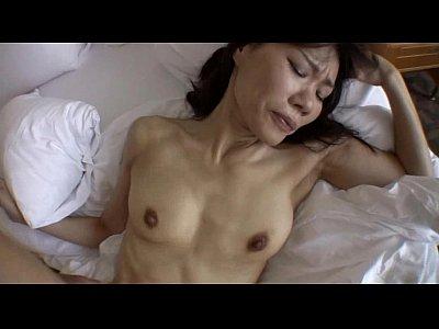 【熟女動画】そこいらにいてそうな五十路熟女妻と不倫ハメ撮りセックスで中出し
