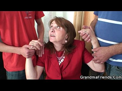 Grandmother Granma Oldlady video: Meeting in the office leads to 3some