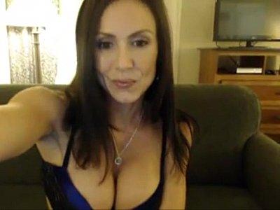 Tits Sex porno: Hot Babe Milf Masturbates Naked - more at webcamwomen.net