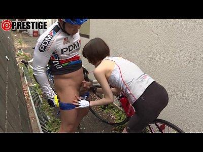 女子校生の自転車のサドルに媚薬を塗ったらどうなるか試した結果www