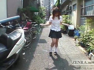 女子校生がアナルにビー玉を挿入されての縄跳びでビー玉ダダ漏らし!