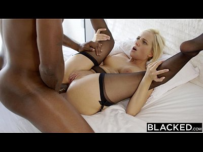 image Bootylicious white gf gets fucked doggystyle