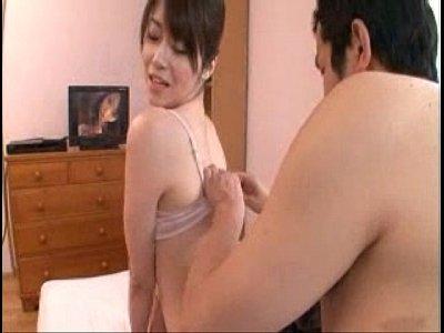 【生稲さゆり】夫の留守、自宅にセフレを招いてセックスに溺れる人妻 生稲さゆり - 無料動画 - AV-TOWN
