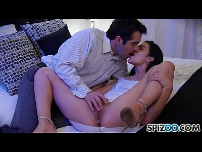 Brunette Cameltoe Cumshot video: Beautiful Eden Sin gets a nice fuck by Donnie