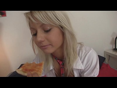 18yo schoolgirl gets fucked by pizza delivery boy 1