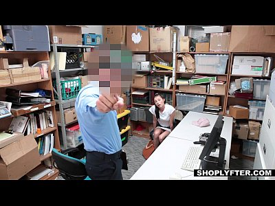 Shoplyfter - في سن المراهقة الملاعين شرطي للخروج من المتاعب