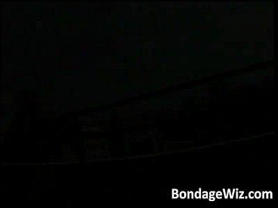 監禁されて両手拘束ヤリタイ放題ハメられる童顔貧乳美少女!【SM無料動画】