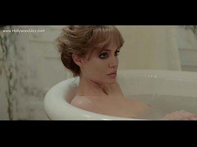 Анджелина Джоли и Мелани Лоран сексуальные сцены