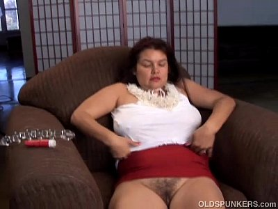 Pretty big tits mature babe imagines you fucking her juicy pussy