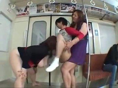 屈強な巨乳痴女達が電車内でM男を拘束して手コキとフェラで逆レイプ