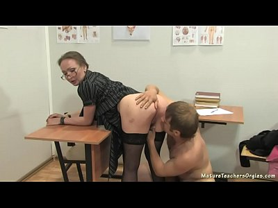Sexy! Amazing first sex teacherst milf lesson opening