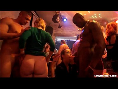 Amateur Interracial movie: Blonde girl with big ole butt gets it good