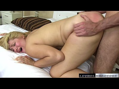 Teen Blowjob Pornstar vid: Blonde Willow Devine sucks the cum out of her stepbros cock