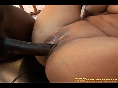 Analsex Bigass Bigcock video: busty milf shared by 2 big cocks interracial anal threesome dp