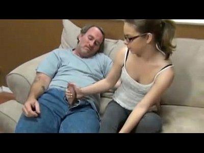 Секс папы с дочкой любительское видео76