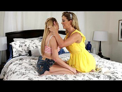 Blonde Licking Kissing video: Mommy Cherie DeVille and Taylor Whyte