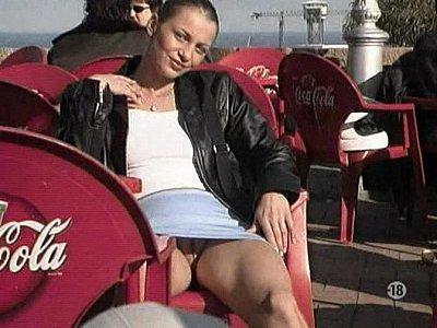 Debajo Faldas ohne hoschen upskirt no panties 50fps hq 2