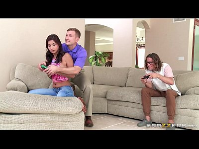Rim Mother xxx: Brazzers - Jade takes two geeky cocks