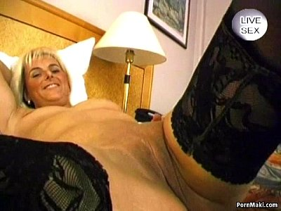 Blowjob Cumshot Facial video: Blonde mature gives hot blowjob