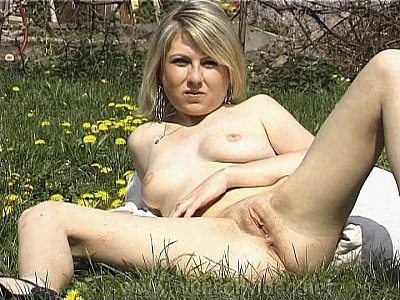 Sex photos outdoor Women