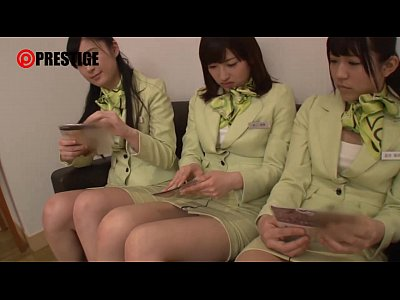貿易会社のOL娘3人組をまとめてナンパ!スーツ姿のまま4Pハメ撮りセックス!!