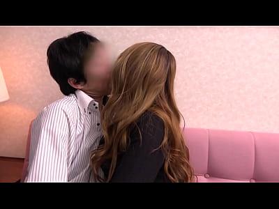 和風美人キャバ嬢と何度もベロチューしまくりピストン挿入SEX!