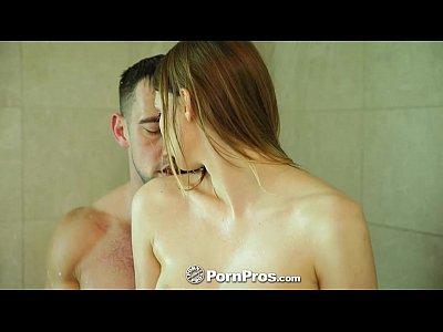 Hd Johnnycastle vid: PornPros - Sophia Wilde takes a bath and a pounding