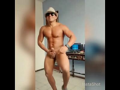Videos Gay Gratis baile de chico activo guapo