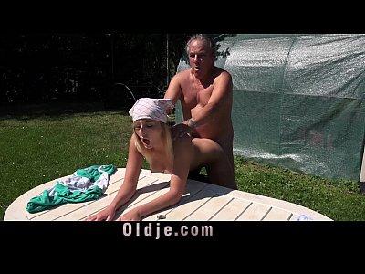 Blonde Blowjob xxx: Horny blonde mistress fucks old gardener for blowjob cumshot in her mouth