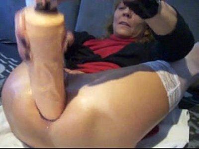 extreme anal plug and orgasm - PainalSex.com