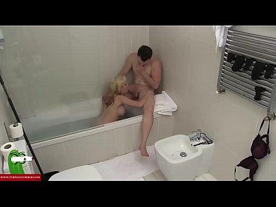 A blonde wants cock in the bathtub CRI007
