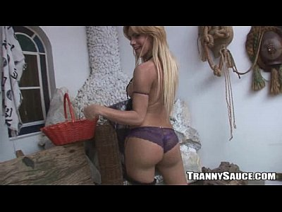 Foxy blonde tranny hottie tugging on her hard cock