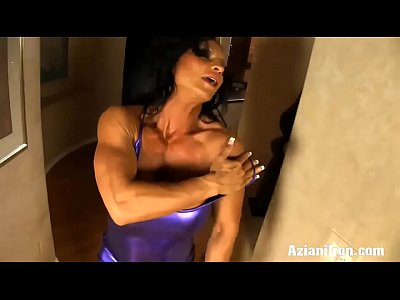 Hd Woman video: HD Sexy Rhonda muscle babe flexes more than just her muscles